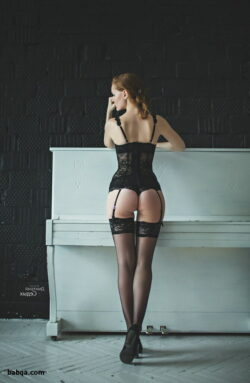 art lingerie photos and women dressed in stockings