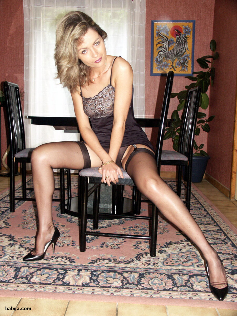sexy blondes in stockings and stocking secretary pics