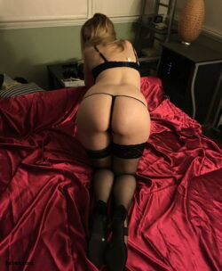 nudes lingerie and busty mature stockings